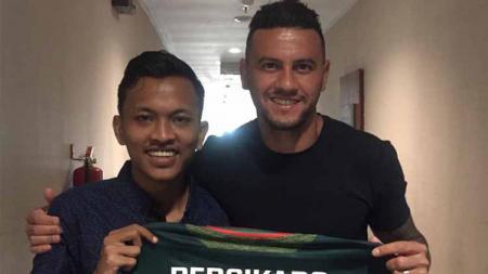 Aggy Eka Rizky saat mengantar pemainnya di sejumlah klub Liga 1. - INDOSPORT