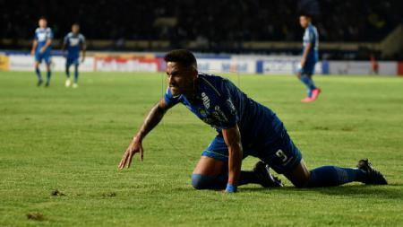 Striker Persib Bandung, Wander Luiz, memiliki nazar bila di tes kedua ia dinyatakan negatif virus corona. - INDOSPORT