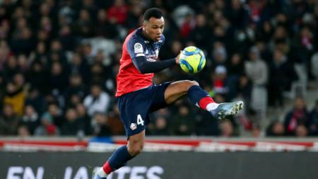 Napoli memburu Gabriel Magalhaes dan Victor Osimhen, dua pemain klub Ligue 1 Prancis, Lille, untuk menggantikan Kalidou Koulibaly dan Arkadiusz Milik. - INDOSPORT