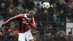 Indosport - Bakaye Traore, mantan pemain klub Serie A Italia, AC Milan.