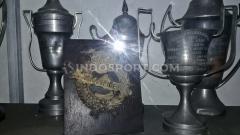 Indosport - Salah satu kompetisi legendaris di Indonesia adalah Liga Perserikatan yang 6 klub saja termasuk Persija Jakarta, Persebaya Surabaya, dan Persis Solo.