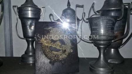 Salah satu kompetisi legendaris di Indonesia adalah Liga Perserikatan yang 6 klub saja termasuk Persija Jakarta, Persebaya Surabaya, dan Persis Solo. - INDOSPORT