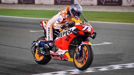 Pembalap Repsol Honda, Alex Marquez, berhasil keluar menjadi juara balapan MotoGP Virtual 2020 edisi pertama. - INDOSPORT
