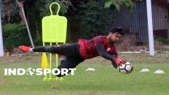Indosport - Klub Liga 2 Persis Solo memutuskan meliburkan aktivitas latihan lebih lama lagi atau hingga 29 Mei mendatang. Kiper muda Persis Solo pun memanfaatkan waktu berhentinya kompetisi untuk pulang kampung.