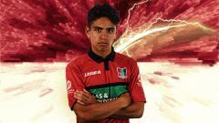 Indosport - Posisi Mochammad Supriadi di Timnas Indonesia U-19 kemungkinan bisa terancam apabila PSSI melakukan proses naturalisasi pemain berdarah Maluku di Belanda, Sinjo Leninduan.
