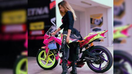 Aida Martinez, pembalap motor perempuan asal Peru - INDOSPORT