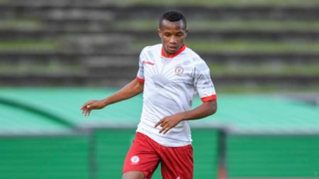 Nilai transfer (market value) bek tim nasional Madagaskar 'berdarah' Jawa Gervias Randrianarisoa ternyata lebih mahal dari pemain Eropa PSM Makassar Serif Hasic. - INDOSPORT