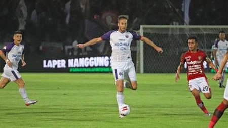 Jebolan Liga Champions milik Persita Tangerang yakni Eldar Hasanovic mengungkapkan kesannya selama lima bulan berada di Indonesia. - INDOSPORT
