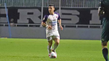 Mateo Bustos, pemain asing Persita Tangerang. - INDOSPORT