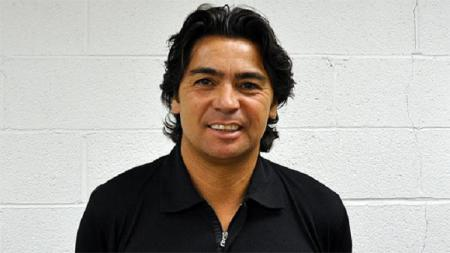 Legenda Ajax Amsterdam keturunan Indonesia, Sonny Silooy. - INDOSPORT