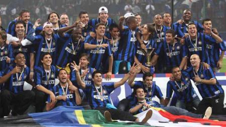 Klub Inter Milan pernah menerima gelar juara scudetto 'hibah' pada musim 2005-2006 sebagai buntut Calciopoli di Liga Italia Serie A. - INDOSPORT