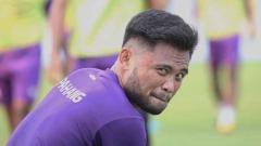 Indosport - Menjadi tersangka pengeroyokan oleh pihak kepolisian, pemain klub Liga 1 2020 Bhayangkara FC, Saddil Ramdani, banjir dukungan dari sesama pemain sepak bola.