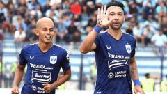 Indosport - Salah satu pemain klub Liga 1 PSIS Semarang, Hari Nur Yulianto ternyata juga memiliki rasa rindu untuk kembali berlaga di Stadion Jatidiri.