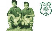 Indosport - Kakak-beradik legenda PSMS Medan dan Timnas Indonesia era 1950-an, Ramli (kiri) dan Ramlan Yatim (kanan).