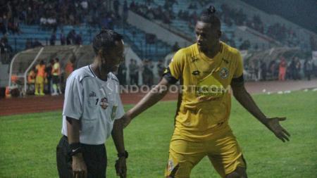 Salah satu asisten wasit asal Daerah Istimewa Yogyakarta, Tri Wahyudi merasakan dampak dihentikannya kompetisi Liga 1 2020. - INDOSPORT