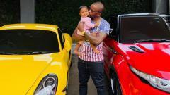 Indosport - Beberapa mobil koleksi Greg Nwokolo dan sang istri, Kimmy Jayanti.