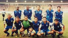 Indosport - Skuat PSIS Semarang saat menjuara Divisi Utama 1998-1999.