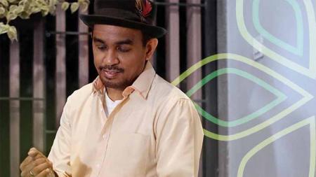 Mendiang Glenn Fredly pernah menyampaikan ucapan dukacita untuk pemain Timnas Indonesia U-16, Alfin Farhan Lestaluhu. - INDOSPORT