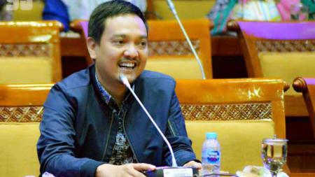 Anggota Komisi X DPR RI dan CEO PSIS, Yoyok Sukawi, menyambut bergabungnya Rahmad Darmawan ke Partai Demokrat. - INDOSPORT