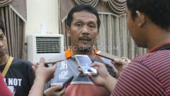 Indosport - Eks pelatih Persib Bandung, Jaya Hartono, punya harapan besar dengan digelarnya RUPS Luar Biasa PT LIB.
