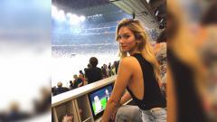 Indosport - Anna Modler, model yang diduga kekasih baru Alexis Sanchez