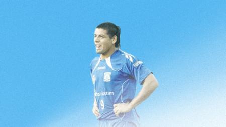 Salah satu penyerang asing tersubur dalam kancah Liga Indonesia, Julio Lopez, mengaku sangat rindu dengan dunia sepak bola Tanah Air. - INDOSPORT