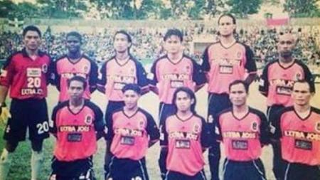 Skuat klub Perseden Denpasar di Liga Indonesia 2003. - INDOSPORT