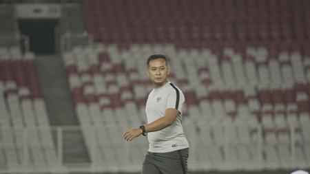 Mantan pelatih Timnas Indonesia U-19, Sofie Imam Faizal mengungkapkan suasana yang terjadi saat lockdown di Malaysia. - INDOSPORT