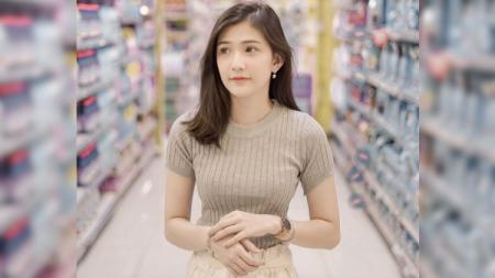 Christy Chriselle, mantan anggota generasi keempat dari JKT48 kini tengah menikmati perannya sebagai Brand Ambassador tim Onic eSports. - INDOSPORT