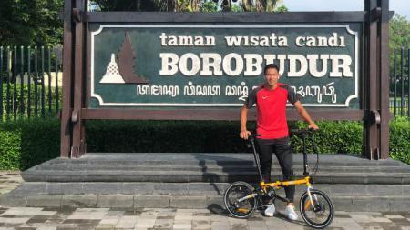 Bek Tira Persikabo, Andy Setyo, kini menekuni olahraga sepeda. - INDOSPORT