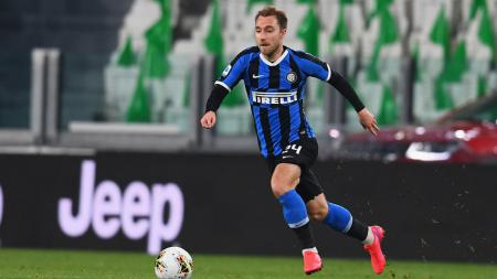 Christian Eriksen dikabarkan berpotensi hengkang ke Paris Saint-Germain usai dirinya tak sering mendapat jam main bersama Inter Milan. - INDOSPORT