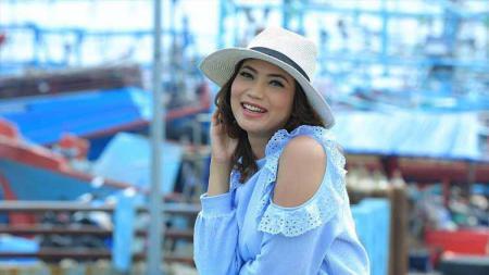 Aktris kondang Kinaryosih Money, membeberkan perjuangannya mendapatkan kembali bentuk tubuh ideal pasca melahirkan. - INDOSPORT