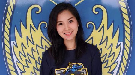 Liana Tasno mengungkapkan kesan yang ia rasakan setelah genap setahun bergabung dengan klub Liga 2 2020 PSIM Yogyakarta sebagai Wakil Direktur Komersial. - INDOSPORT