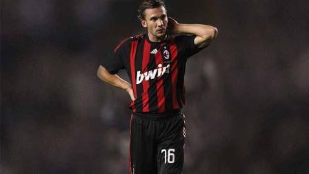 Ketika bergabung kembali ke AC Milan, Andriy Shevchenko memilih nomor punggung 76 sebagai representasi angka kelahirannya.