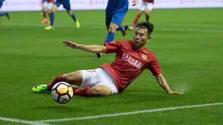 Yu Hanchao, bintang sepak bola China yang dipecat Guangzhou Evergrande gara-gara mengganti pelat mobilnya. - INDOSPORT