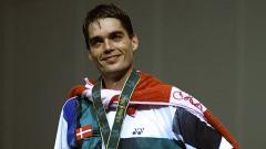 Indosport - Hari ini, 01 Agustus 1996, 14 tahun yang lalu, Presiden BWF Poul Erik Hoyer Larsen berhasil meraih medali emas di Olimpiade Atlanta.