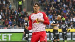 Indosport - AC Milan siap mengeluarkan dana 25 juta euro (Rp400 miliar) demi memboyong Dominik Szoboszlai yang menjadi permintaan khusus calon pelatih baru, Ralf Rangnick.