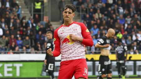 AC Milan siap mengeluarkan dana 25 juta euro (Rp400 miliar) demi memboyong Dominik Szoboszlai yang menjadi permintaan khusus calon pelatih baru, Ralf Rangnick. - INDOSPORT