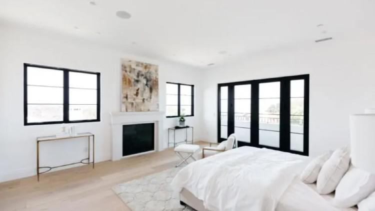 Salah satu dari lima kamar tidur yang berada di rumah Serena Williams. Copyright: Trulia