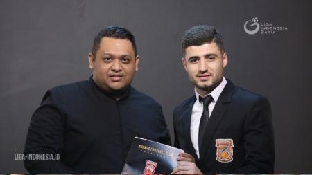 Presiden klub Liga 1 Borneo FC Nabil Husein (kiri) dan penggawa Pesut Etam Nuriddin Davronov (kanan). - INDOSPORT