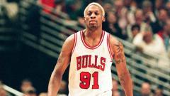 Indosport - Dennis Rodman saat memperkuat Chicago Bulls