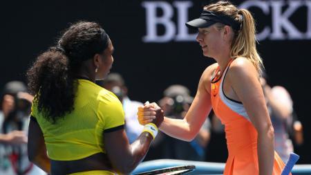 Maria Sharapova dan Serena Williams di Australia Terbuka 2016 lalu. - INDOSPORT