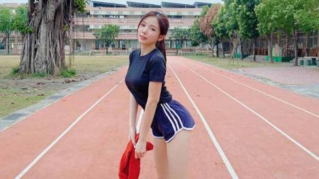 Berolahraga adalah salah satu cara yang efektif untuk menjaga kebugaran sekaligus mempertahankan bentuk tubuh yang ideal. - INDOSPORT
