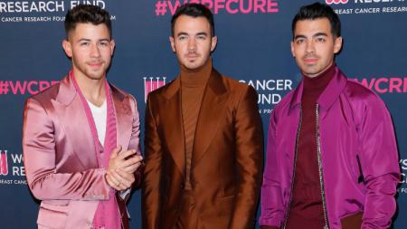Jonas Brothers akan ikut dalam acara penggalangan dana untuk amal AC Milan. - INDOSPORT
