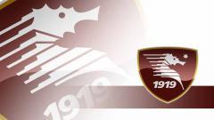 Indosport - Mengenal Salernitana, Klub Kecil Penghasil Legenda Italia.