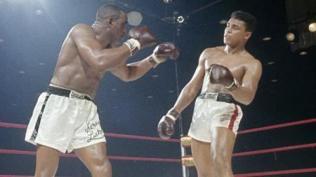 Sonny Liston vs Muhammad Ali. - INDOSPORT