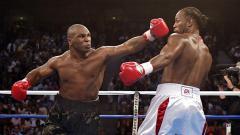 Indosport - Terinspirasi Mike Tyson, Lennox Lewis Juga Ingin Naik Ring Tinju Lagi.