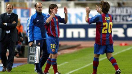 Segala perjuangan Lionel Messi di level junior membuahkan hasil. Pada 16 Oktober 2004, ia menjalani debut di tim utama sebagai pengganti pada menit ke-82 kontra Espanyol. Saat itu, ia berusia 17 tahun. 3 bulan, 22 hari, termuda dalam sejarah Barcelona.