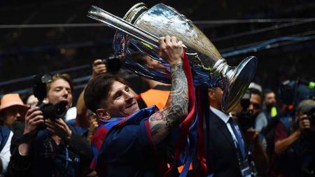 Raksasa LaLiga Spanyol, Barcelona tak pernah sama lagi setelah Lionel Messi menggantikan peran serta Xavi dan Andres Iniesta yang telah pergi. - INDOSPORT