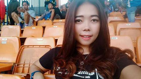 Faniie Revha, bobotoh Cantik pendukung Persib Bandung - INDOSPORT